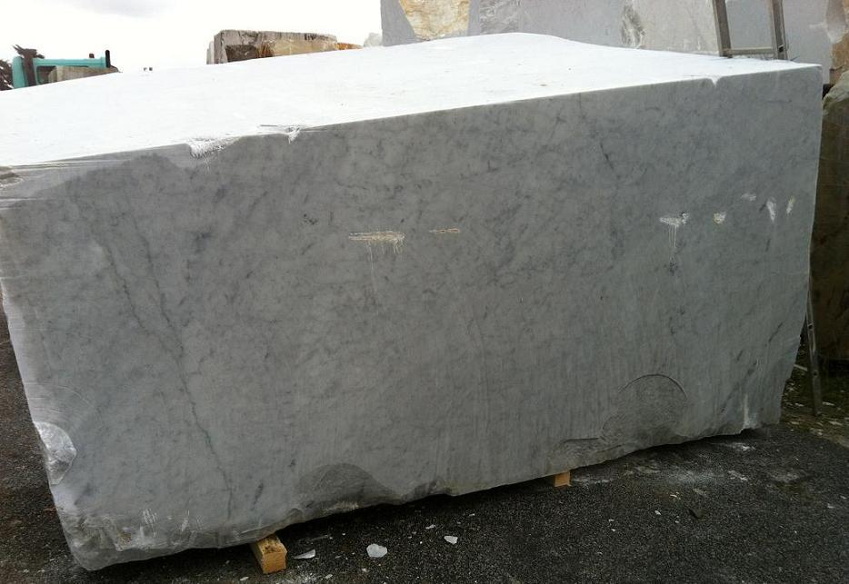 Marmol blanco bloques semibloques produccion marmol - Marmol travertino blanco ...